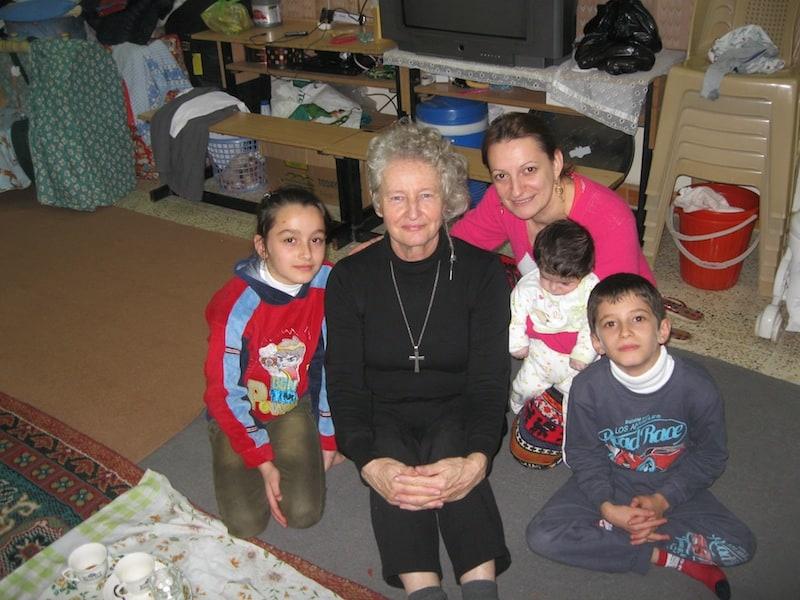 Yosé Höhne-Sparborth in Kirkuk. De moeder van het gezin ontving zojuist een massage.