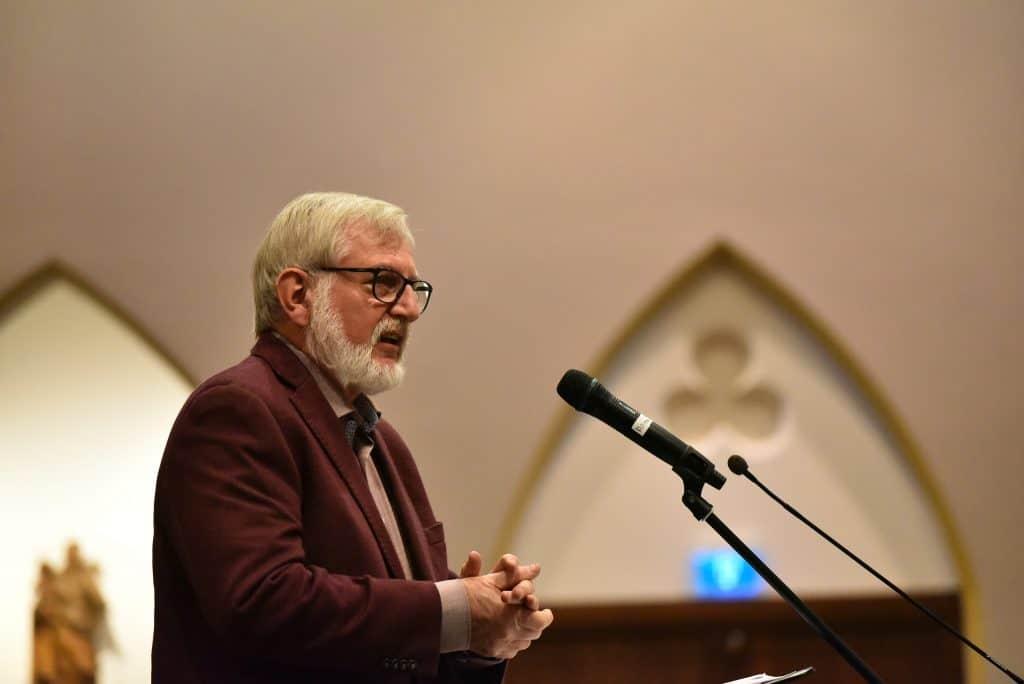 Michaël Steehouder (foto: Lex Molenaar) is Neerlandicus, communicatiewetenschapper en schrijver van liturgische teksten.
