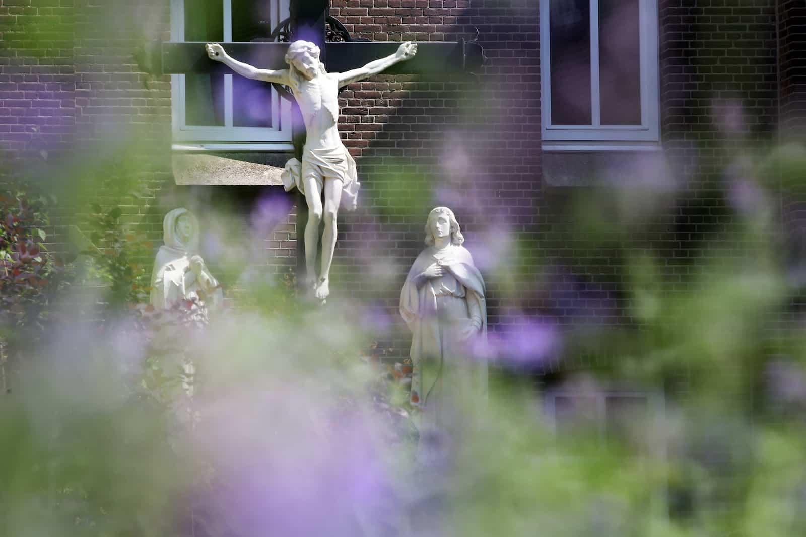 Huissen_crucifix-zomer-RamonMangold