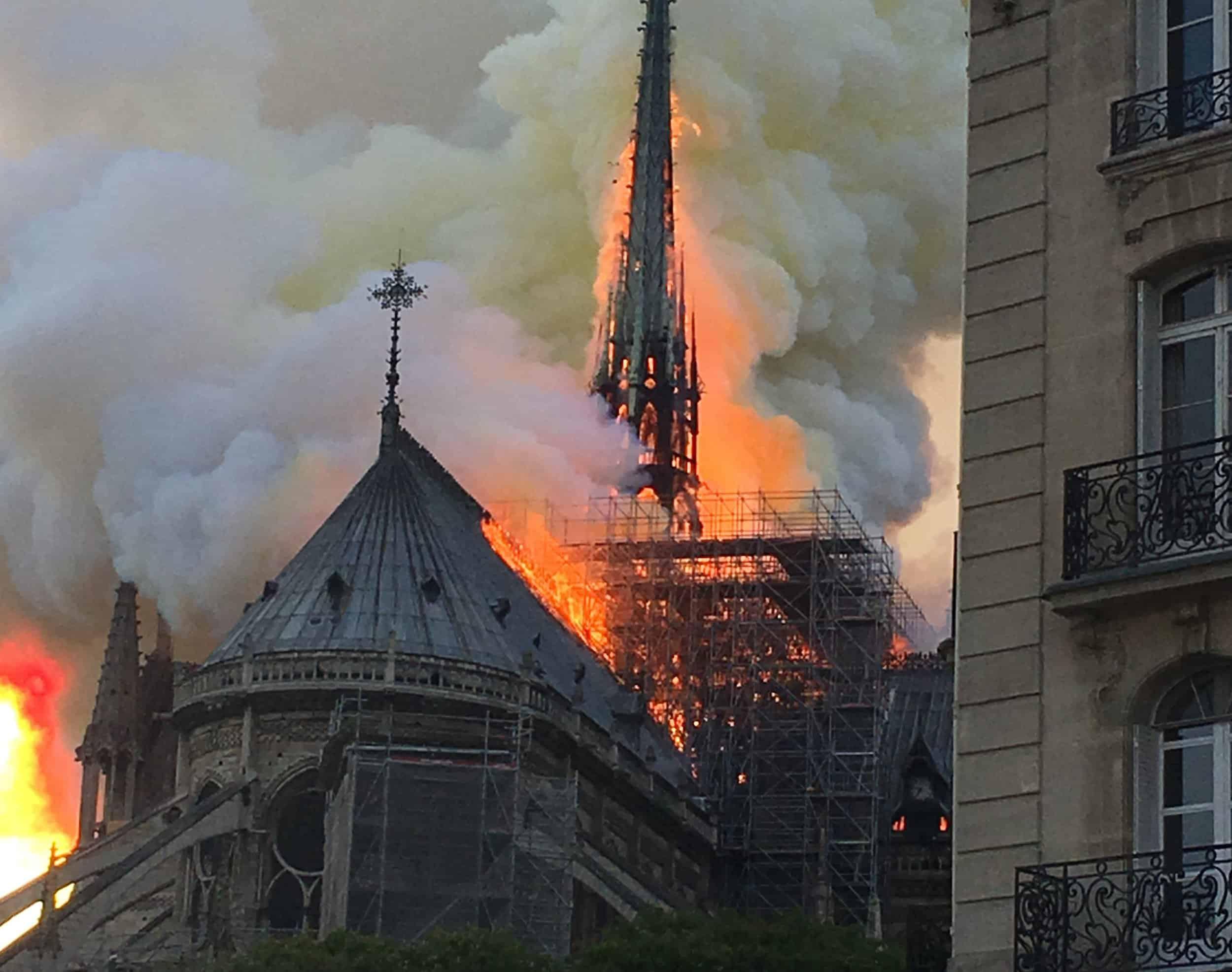 Notre_Dame_vuur