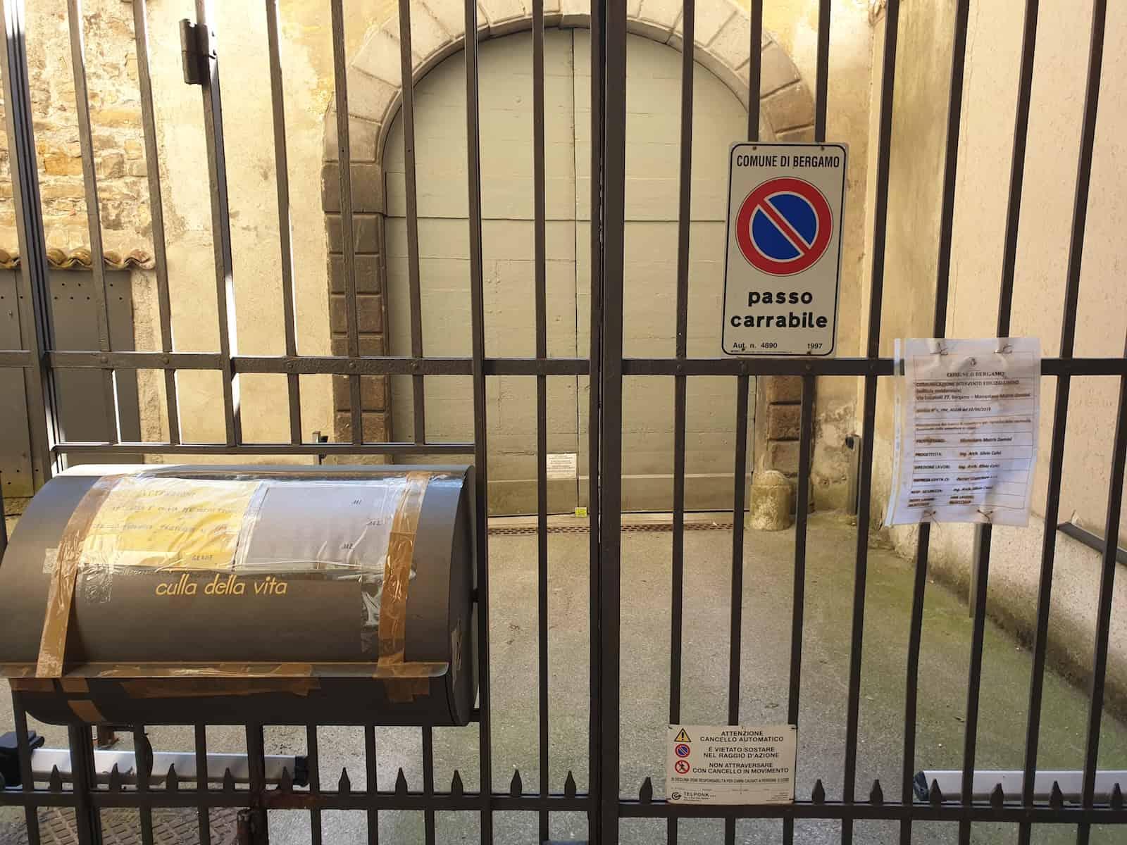 Bergamo-monialen-84300