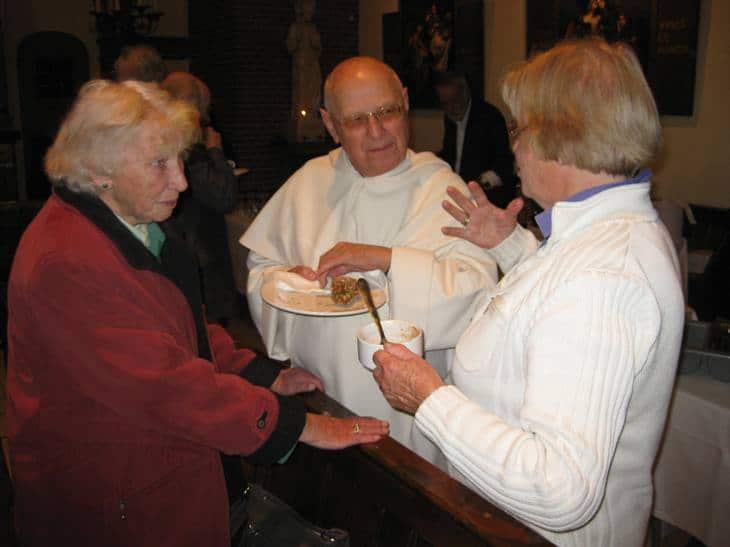 Afscheid 2010 Dominicanen pater Goes in gesprek