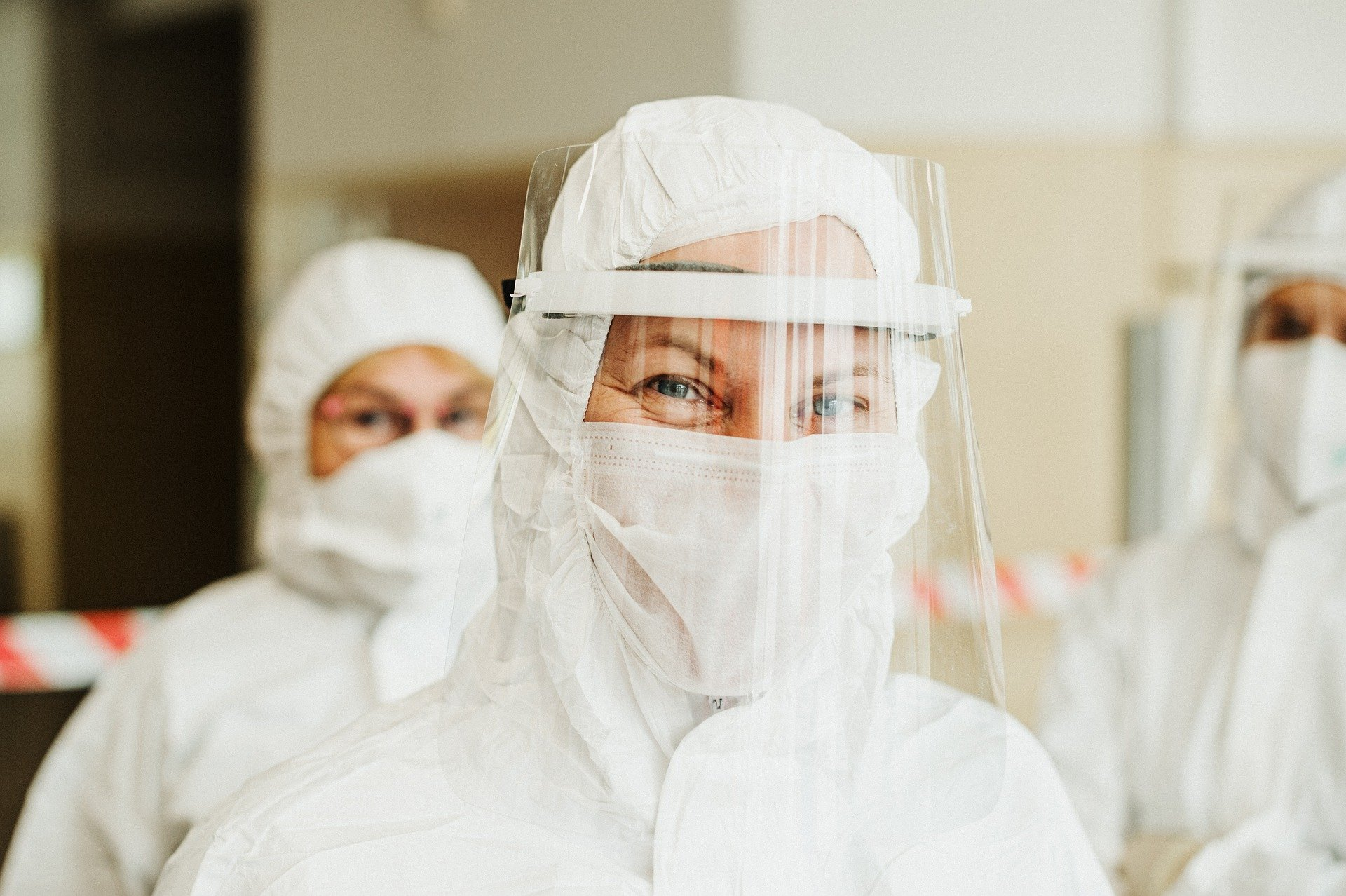 protective-suit-5716753_1920