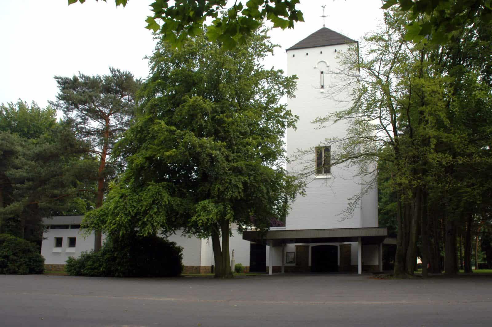 witte kerk schilde bergen